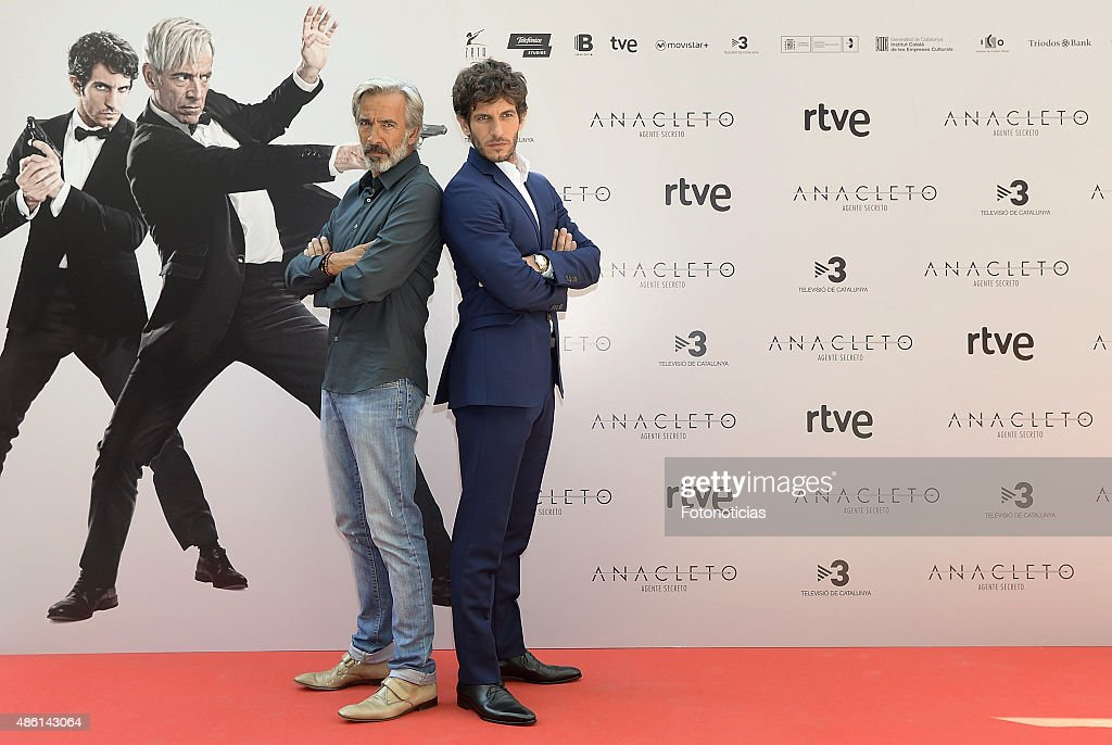 ¿Cuánto mide Imanol Arias? Actors-imanol-arias-and-quim-gutierrez-attend-a-photocall-for-agente-picture-id486143064