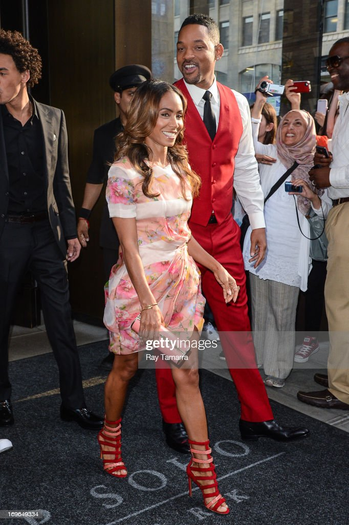 Actors <a gi-track='captionPersonalityLinkClicked' href=/galleries/search?phrase=Jada+Pinkett+Smith&family=editorial&specificpeople=201837 ng-click='$event.stopPropagation()'>Jada Pinkett Smith</a> (L) and <a gi-track='captionPersonalityLinkClicked' href=/galleries/search?phrase=Will+Smith+-+Actor+-+Born+1968&family=editorial&specificpeople=156403 ng-click='$event.stopPropagation()'>Will Smith</a> leave their Soho hotel on May 29, 2013 in New York City.