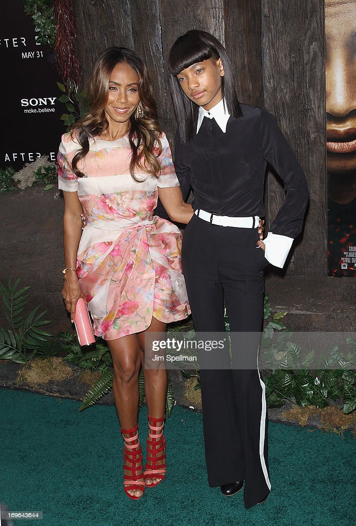 Actors Jada Pinkett Smith and Willow Smith attend the 'After Earth' premiere at the Ziegfeld Theater on May 29, 2013 in New York City.