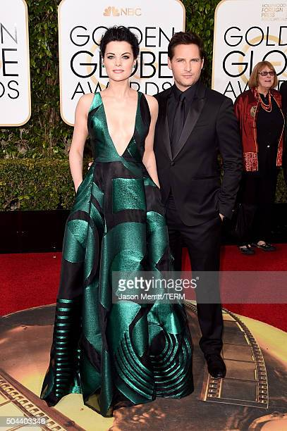 Actors Jaimie Alexander and Peter Facinelli attend the 73rd Annual Golden Globe Awards held at the Beverly Hilton Hotel on January 10 2016 in Beverly...