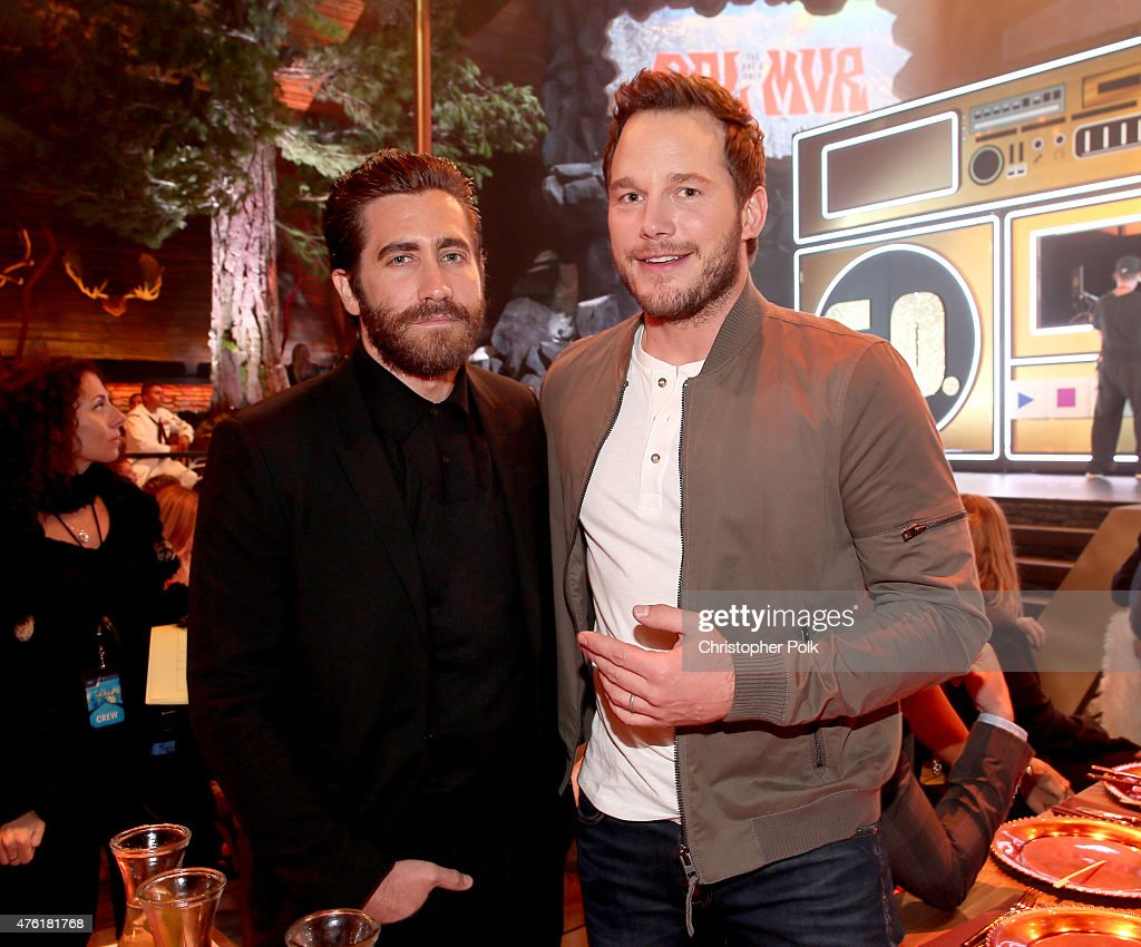 Actors Jake Gyllenhaal and Chris Pratt attend Spike TV's Guys Choice 2015 at Sony Pictures Studios on June 6 2015 in Culver City California
