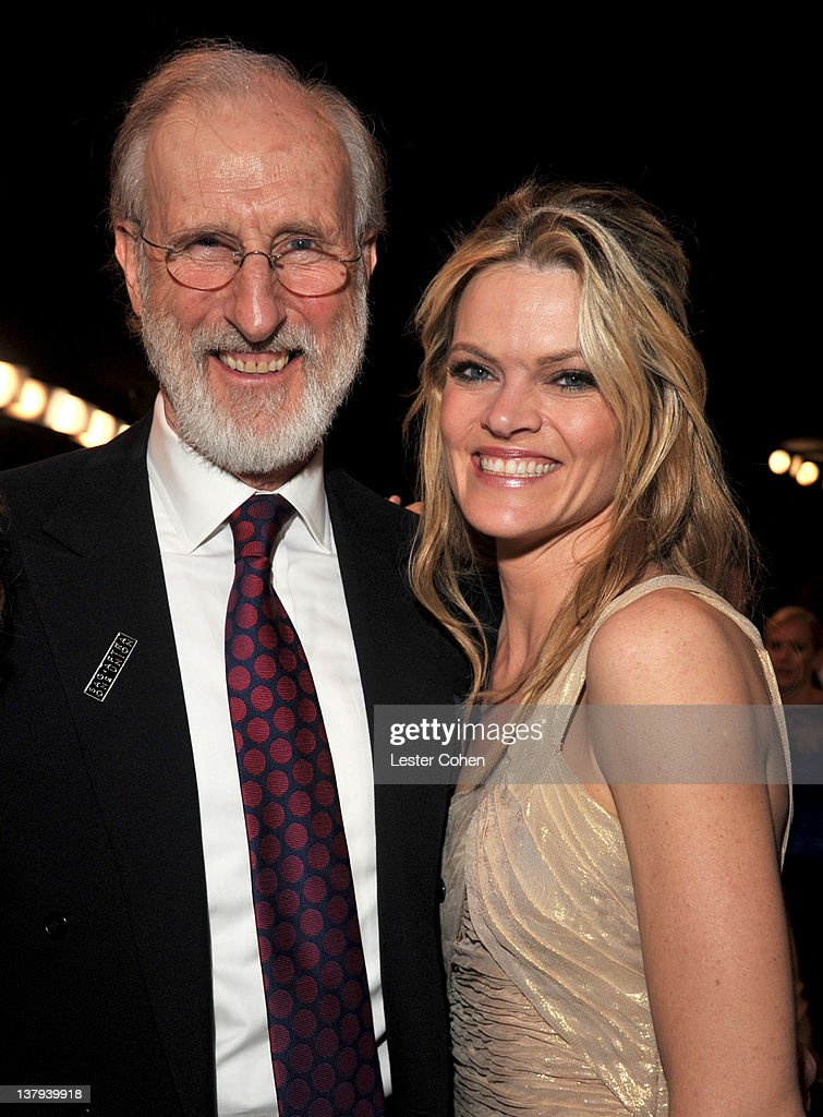 Actors James Cromwell and Missi Pyle attend The 18th Annual Screen Actors Guild Awards broadcast on TNT/TBS at The Shrine Auditorium on January 29, 2012 in Los Angeles, California. (Photo by Lester Cohen/WireImage) 22005_008_LC_0531.JPG
