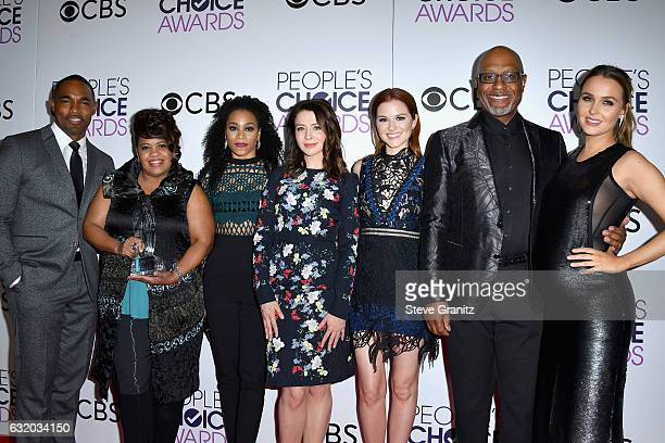 Actors James Pickens Jr Chandra Wilson Kelly McCreary Sarah Drew Jason George and Camilla Luddington pose with an award in the press room during the...