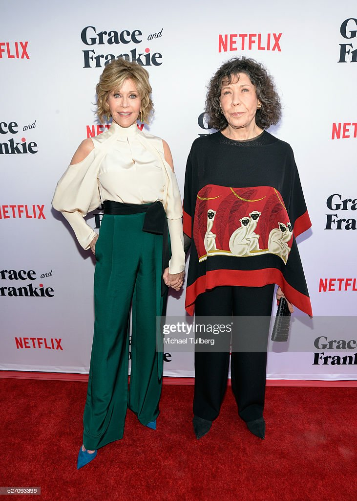 Actors Jane Fonda (L) and Lily Tomlin attend the premiere of Season 2 of the Netflix Original Series 'Grace & Frankie' at Harmony Gold on May 1, 2016 in Los Angeles, California.