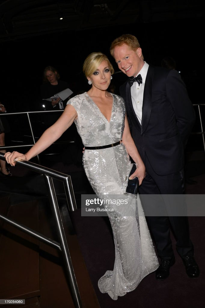 Actors <a gi-track='captionPersonalityLinkClicked' href=/galleries/search?phrase=Jane+Krakowski&family=editorial&specificpeople=203166 ng-click='$event.stopPropagation()'>Jane Krakowski</a> and <a gi-track='captionPersonalityLinkClicked' href=/galleries/search?phrase=Jesse+Tyler+Ferguson&family=editorial&specificpeople=633114 ng-click='$event.stopPropagation()'>Jesse Tyler Ferguson</a> attend The 67th Annual Tony Awards green room at Radio City Music Hall on June 9, 2013 in New York City.