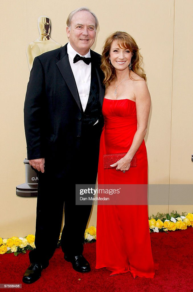 Actors Jane Seymour (R) and James Keach attend the 82nd Annual Academy Awards held at the Kodak Theater on March 7, 2010 in Hollywood, California.