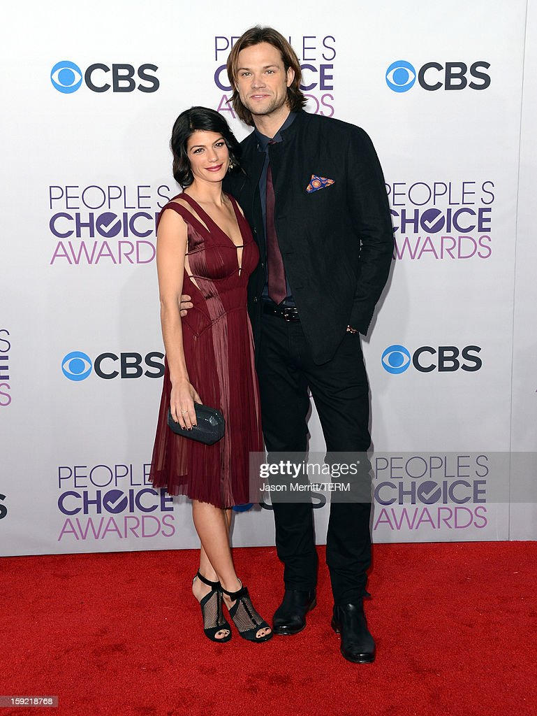 Actors Jared Padalecki (R) and Genevieve Padalecki attend the 39th Annual People's Choice Awards at Nokia Theatre L.A. Live on January 9, 2013 in Los Angeles, California.
