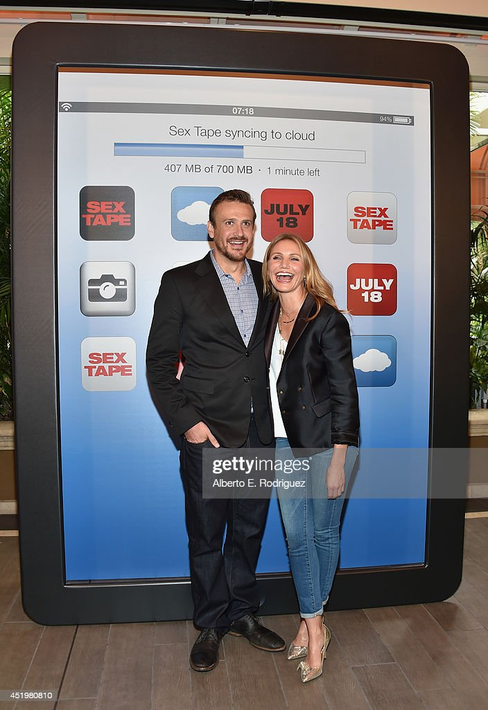 Actors <a gi-track='captionPersonalityLinkClicked' href=/galleries/search?phrase=Jason+Segel&family=editorial&specificpeople=2220388 ng-click='$event.stopPropagation()'>Jason Segel</a> and <a gi-track='captionPersonalityLinkClicked' href=/galleries/search?phrase=Cameron+Diaz&family=editorial&specificpeople=201892 ng-click='$event.stopPropagation()'>Cameron Diaz</a> attend a photocall for Columbia Pictures' 'Sex Tape' at The Four Seasons Hotel Los Angeles at Beverly Hills on July 10, 2014 in Beverly Hills, California.