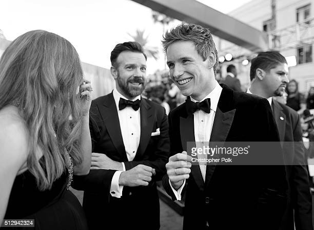 Actors Jason Sudeikis and Eddie Redmayne attend the 88th Annual Academy Awards at Hollywood Highland Center on February 28 2016 in Hollywood...