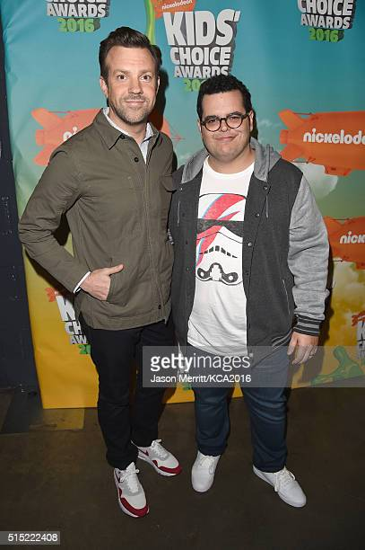 Actors Jason Sudeikis and Josh Gad attend Nickelodeon's 2016 Kids' Choice Awards at The Forum on March 12 2016 in Inglewood California