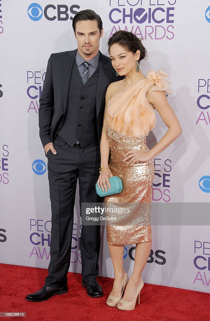 Actors Jay Ryan and Kristin Kreuk arrive at the 2013 People's Choice Awards at Nokia Theatre L.A. Live on January 9, 2013 in Los Angeles, California.