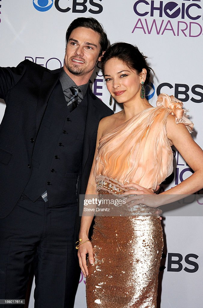 Actors Jay Ryan (left) and <a gi-track='captionPersonalityLinkClicked' href=/galleries/search?phrase=Kristin+Kreuk&family=editorial&specificpeople=216415 ng-click='$event.stopPropagation()'>Kristin Kreuk</a> (right) pose in the press room during the 2013 People's Choice Awards at Nokia Theatre L.A. Live on January 9, 2013 in Los Angeles, California.