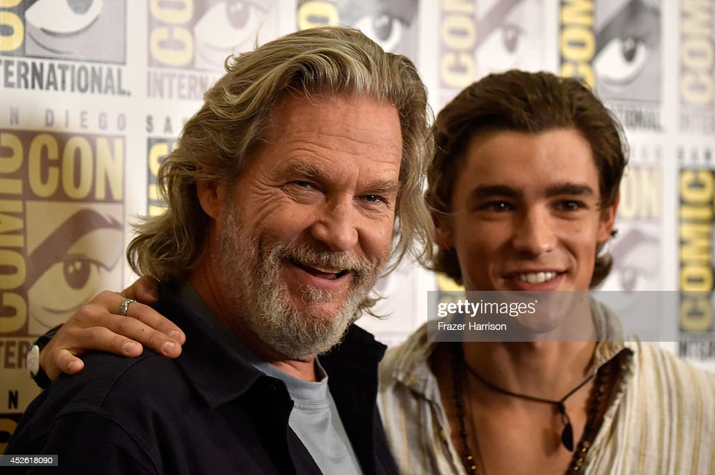 Actors Jeff Bridges and Brenton Thwaites attend the 'The Giver' Press Line during ComicCon International 2014 at Hilton Bayfront on July 24 2014 in...