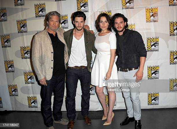 Actors Jeff Bridges Ben Barnes Antje Traue and Kit Harrington appear at the Warner Bros and Legendary Pictures preview of 'Seventh Son' during...