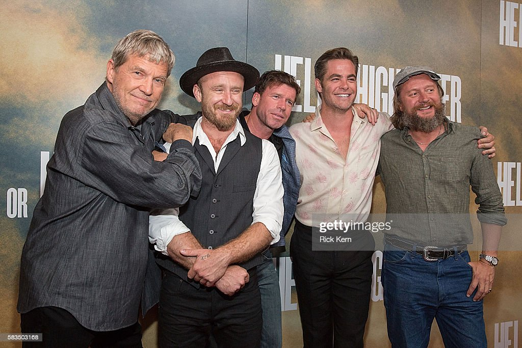 Actors Jeff Bridges Ben Foster writer Taylor Sheridan actor Chris Pine and director David Mackenzie arrive at the Alamo Drafthouse for the red carpet...