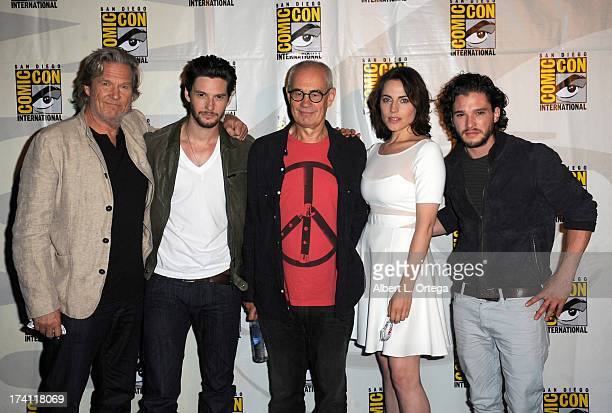 Actors Jeff Bridges director Sergey Bodrov Ben Barnes Antje Traue and Kit Harrington appear at the Warner Bros and Legendary Pictures preview of...