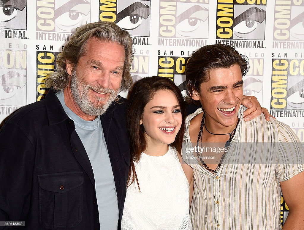Actors Jeff Bridges Odeya Rush and Brenton Thwaites attend the 'The Giver' Press Line during ComicCon International 2014 at Hilton Bayfront on July...