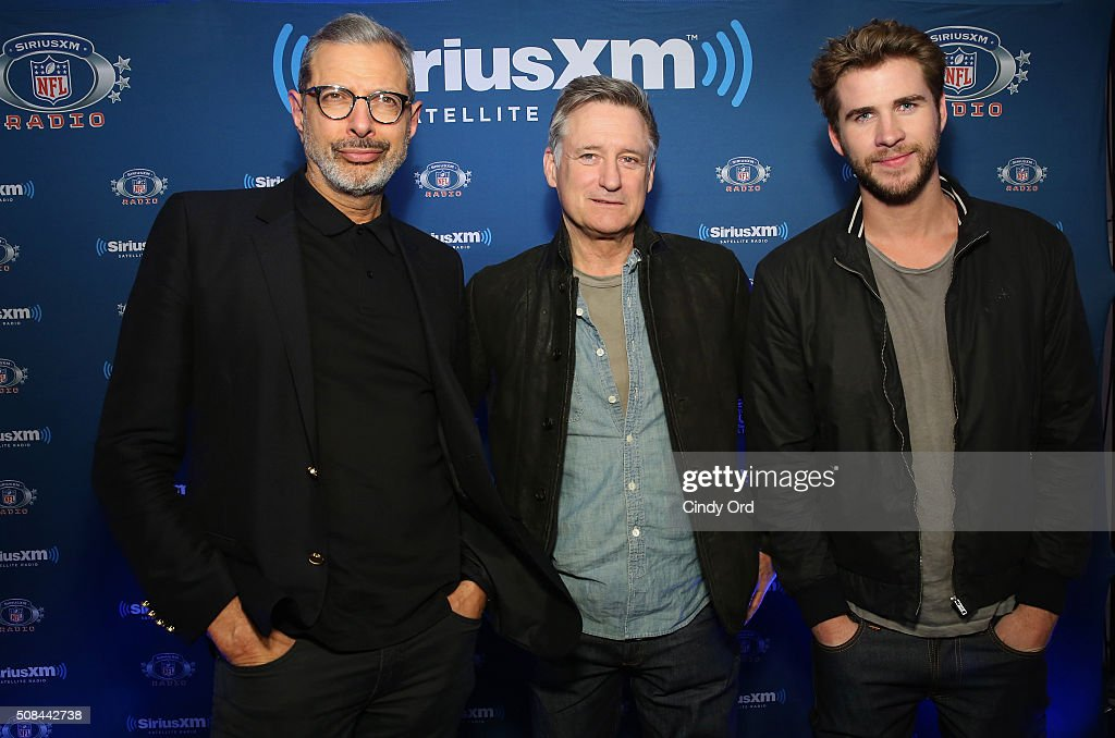 Actors Jeff Goldblum Bill Pullman and Liam Hemsworth visit the SiriusXM set at Super Bowl 50 Radio Row at the Moscone Center on February 4 2016 in...