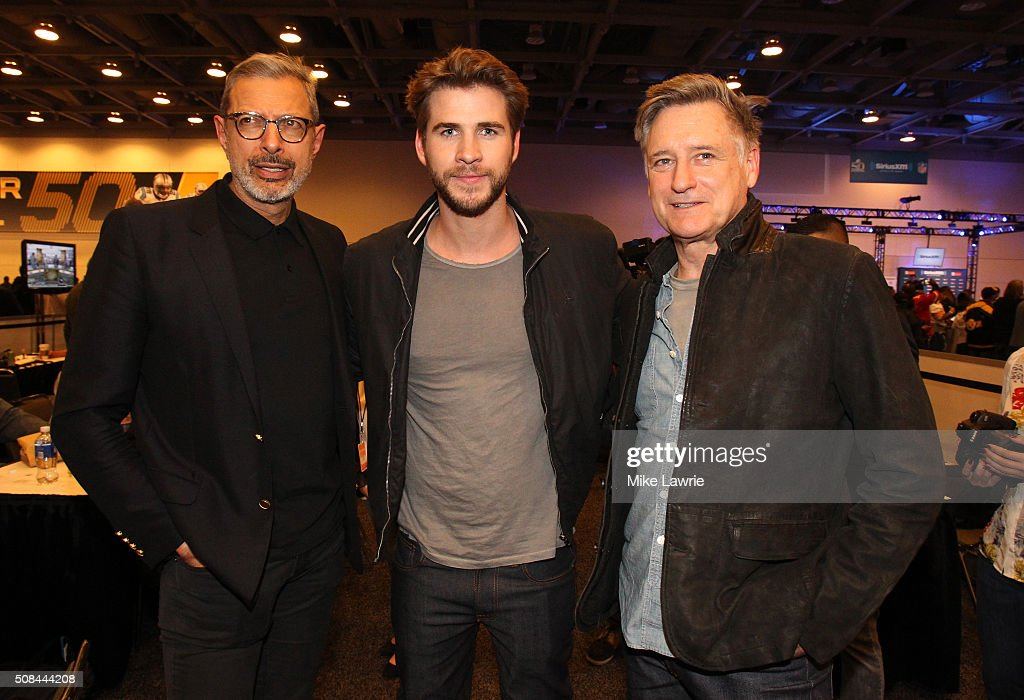 Actors Jeff Goldblum, Liam Hemsworth and Bill Pullman pose at Radio Row in the Moscone Center West prior to Super Bowl 50 on February 4, 2016 in San Francisco, United States.