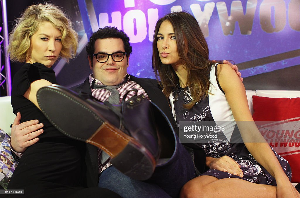 Actors Jenna Elfman and Josh Gad visit with host Nikki Novak at the Young Hollywood Studio on February 14, 2013 in Los Angeles, California.