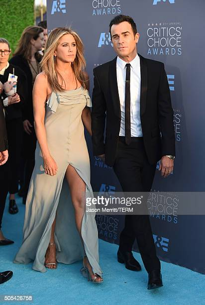 Actors Jennifer Aniston and Justin Theroux attend the 21st Annual Critics' Choice Awards at Barker Hangar on January 17 2016 in Santa Monica...