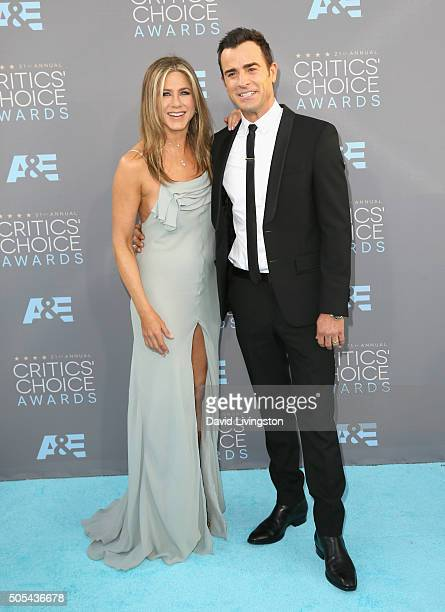Actors Jennifer Aniston and Justin Theroux attends The 21st Annual Critics' Choice Awards at Barker Hangar on January 17 2016 in Santa Monica...