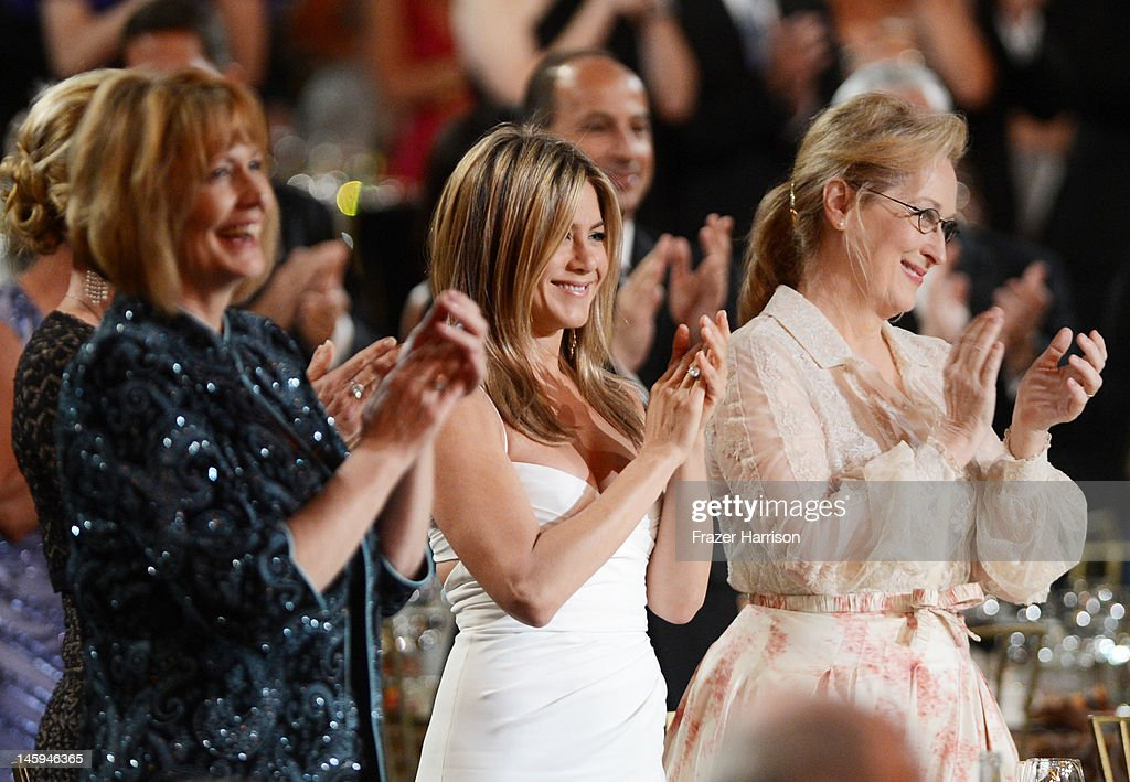 Actors Jennifer Aniston and Meryl Streep attend the 40th AFI Life Achievement Award honoring Shirley MacLaine held at Sony Pictures Studios on June 7, 2012 in Culver City, California. The AFI Life Achievement Award tribute to Shirley MacLaine will premiere on TV Land on Saturday, June 24 at 9PM