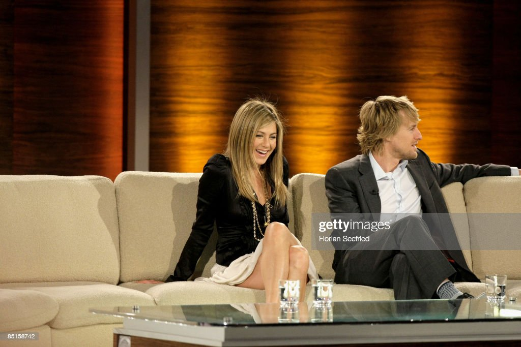 Actors Jennifer Aniston and Owen Wilson attend the Wetten dass show at the Messe Duesseldorf on February 28 2009 in Duesseldorf Germany