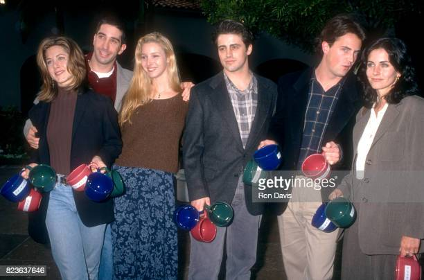 Actors Jennifer Aniston David Schwimmer Lisa Kudrow Matt LeBlanc Matthew Perry and Courtney Cox of the television comedy Friend's pose for a portrait...