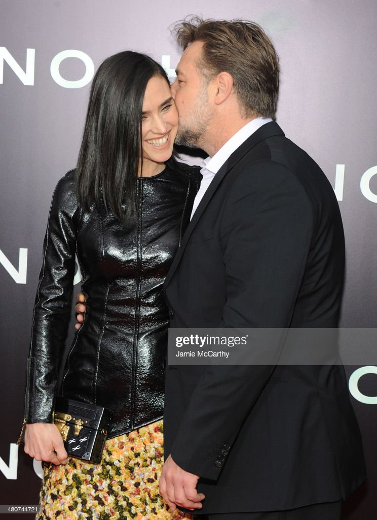Actors <a gi-track='captionPersonalityLinkClicked' href=/galleries/search?phrase=Jennifer+Connelly&family=editorial&specificpeople=201581 ng-click='$event.stopPropagation()'>Jennifer Connelly</a> (L) and <a gi-track='captionPersonalityLinkClicked' href=/galleries/search?phrase=Russell+Crowe&family=editorial&specificpeople=202609 ng-click='$event.stopPropagation()'>Russell Crowe</a> attend the 'Noah' New York premiere at Ziegfeld Theatre on March 26, 2014 in New York City.