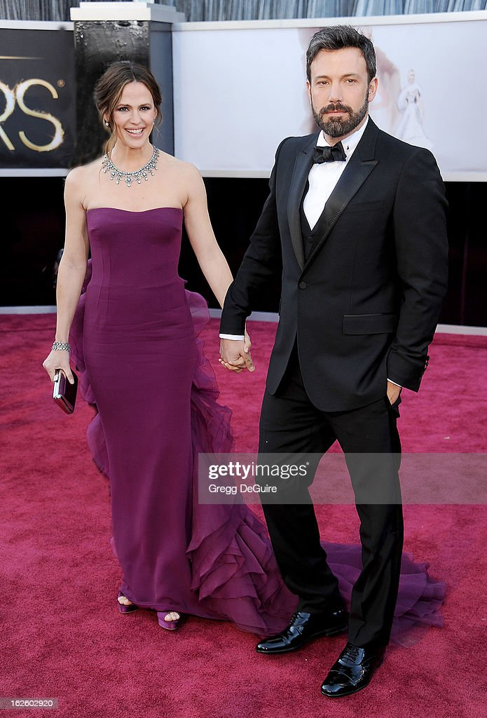 Actors Jennifer Garner and Ben Affleck arrive at the Oscars at Hollywood & Highland Center on February 24, 2013 in Hollywood, California.