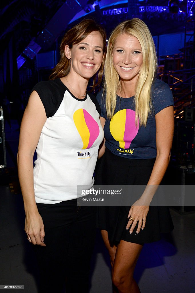 Actors Jennifer Garner (L) and Gwyneth Paltrow attend the Think It Up education initiative telecast for teachers and students, hosted by Entertainment Industry Foundation at Barker Hangar on September 11, 2015 in Santa Monica, California.