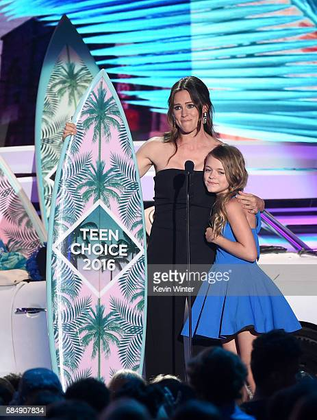Actors Jennifer Garner and Kylie Rogers accept the Choice Movie Drama award for 'Miracles from Heaven' onstage during Teen Choice Awards 2016 at The...