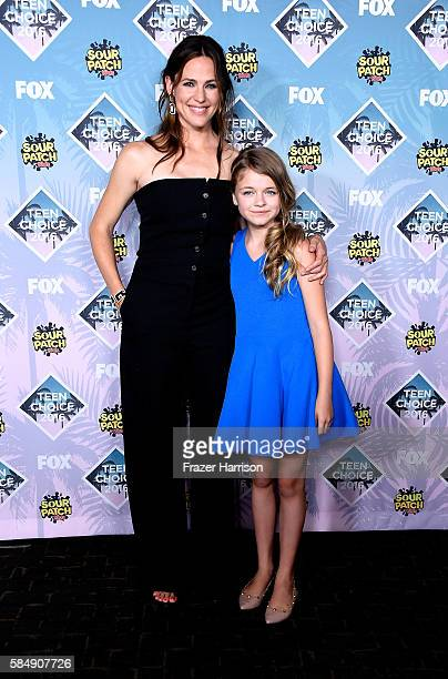 Actors Jennifer Garner and Kylie Rogers pose with the Choice Movie Drama award for 'Miracles from Heaven' in the press room during Teen Choice Awards...
