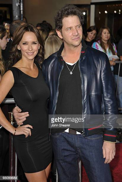 Actors Jennifer Love Hewitt and Jamie Kennedy arrive at 'The Twilight Saga New Moon' premiere held at the Mann Village Theatre on November 16 2009 in...