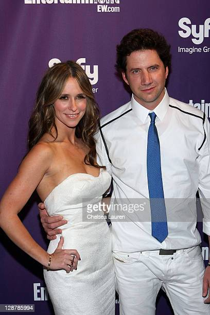 Actors Jennifer Love Hewitt and Jamie Kennedy attend the Entertainment Weekly and Syfy party celebrating ComicCon at Hotel Solamar on July 25 2009 in...
