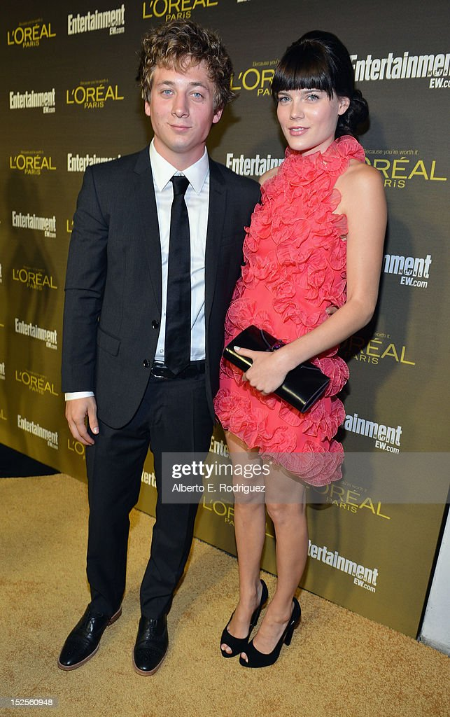 Actors <a gi-track='captionPersonalityLinkClicked' href=/galleries/search?phrase=Jeremy+Allen+White&family=editorial&specificpeople=7366645 ng-click='$event.stopPropagation()'>Jeremy Allen White</a> and Emma Greenwell attend The 2012 Entertainment Weekly Pre-Emmy Party Presented By L'Oreal Paris at Fig & Olive Melrose Place on September 21, 2012 in West Hollywood, California.