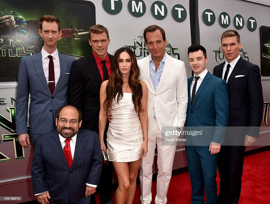 Actors Jeremy Howard, Danny Woodburn, <a gi-track='captionPersonalityLinkClicked' href=/galleries/search?phrase=Alan+Ritchson&family=editorial&specificpeople=4070667 ng-click='$event.stopPropagation()'>Alan Ritchson</a>, <a gi-track='captionPersonalityLinkClicked' href=/galleries/search?phrase=Megan+Fox&family=editorial&specificpeople=2239934 ng-click='$event.stopPropagation()'>Megan Fox</a>, <a gi-track='captionPersonalityLinkClicked' href=/galleries/search?phrase=Will+Arnett&family=editorial&specificpeople=209259 ng-click='$event.stopPropagation()'>Will Arnett</a>, Noel Fisher and Pete Ploszek attend the premiere of Paramount Pictures' 'Teenage Mutant Ninja Turtles' at Regency Village Theater on August 3, 2014 in Westwood, California.