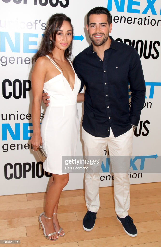 Actors Jesse Metcalfe (R) and his wife Cara Santana attend 1st Annual UNICEF NextGen LA Photo Benefit at SkyBar at the Mondrian Los Angeles on May 1, 2014 in West Hollywood, California.