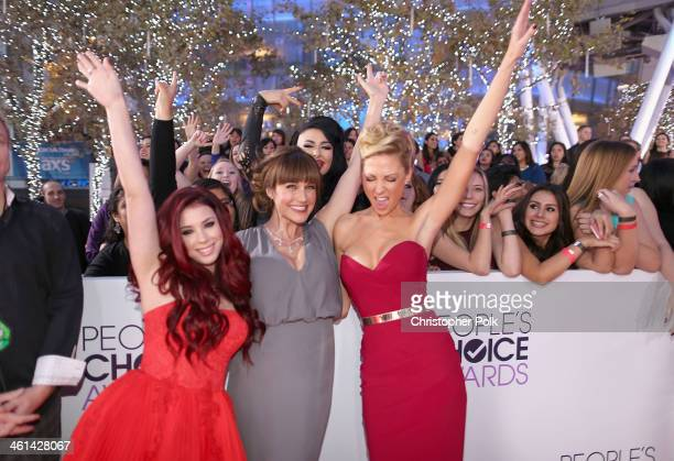 Actors Jillian Rose Reed Nikki DeLoach and Desi Lydic attend The 40th Annual People's Choice Awards at Nokia Theatre LA Live on January 8 2014 in Los...