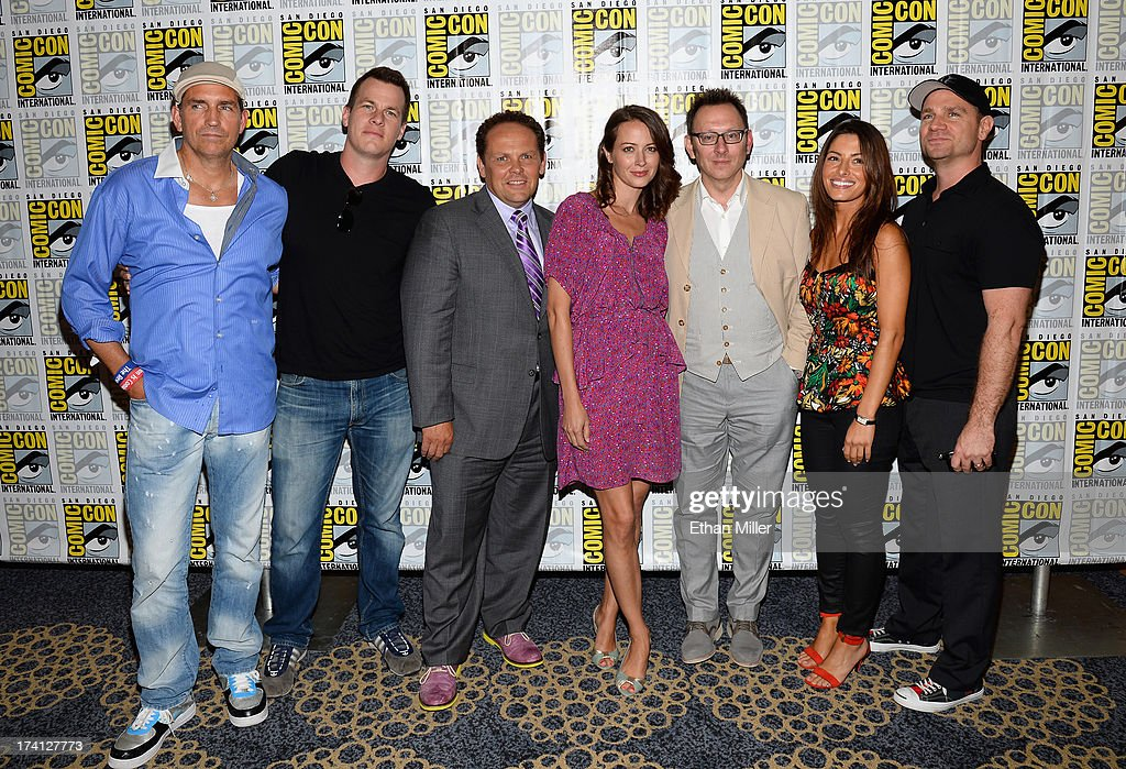 Actors Jim Caviezel, producer Jonathan Nolan, actor Kevin Chapman, actress <a gi-track='captionPersonalityLinkClicked' href=/galleries/search?phrase=Amy+Acker&family=editorial&specificpeople=715944 ng-click='$event.stopPropagation()'>Amy Acker</a>, actor <a gi-track='captionPersonalityLinkClicked' href=/galleries/search?phrase=Michael+Emerson&family=editorial&specificpeople=653299 ng-click='$event.stopPropagation()'>Michael Emerson</a>, actress <a gi-track='captionPersonalityLinkClicked' href=/galleries/search?phrase=Sarah+Shahi&family=editorial&specificpeople=538555 ng-click='$event.stopPropagation()'>Sarah Shahi</a> and executive producer Greg Plageman attend the 'Person of Interest' press line during Comic-Con International 2013 at the Hilton San Diego Bayfront Hotel on July 20, 2013 in San Diego, California.