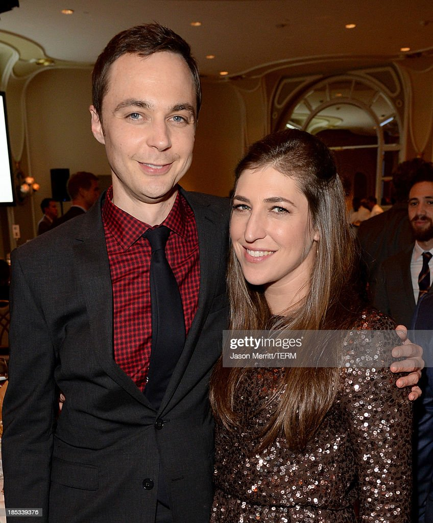 Actors <a gi-track='captionPersonalityLinkClicked' href=/galleries/search?phrase=Jim+Parsons&family=editorial&specificpeople=2480791 ng-click='$event.stopPropagation()'>Jim Parsons</a> (L) and <a gi-track='captionPersonalityLinkClicked' href=/galleries/search?phrase=Mayim+Bialik&family=editorial&specificpeople=1539271 ng-click='$event.stopPropagation()'>Mayim Bialik</a> attend the 9th Annual GLSEN Respect Awards at Beverly Hills Hotel on October 18, 2013 in Beverly Hills, California.