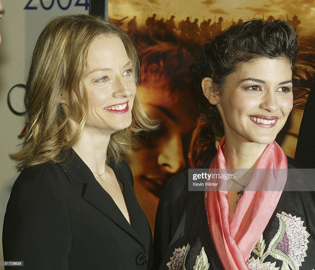 Actors <a gi-track='captionPersonalityLinkClicked' href=/galleries/search?phrase=Jodie+Foster&family=editorial&specificpeople=204488 ng-click='$event.stopPropagation()'>Jodie Foster</a> (L) and Audrey Tautou pose at the AFI Fest 2004 screening of Warner Independent Pictures' 'A Very Long Engagement' at the Chinese Theater on November 10, 2004 in Los Angeles, California.