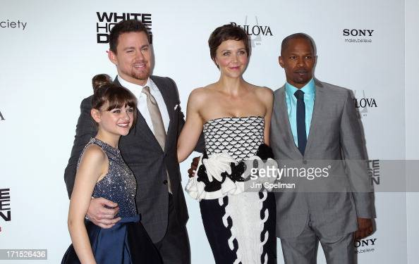 Actors Joey King Channing Tatum Maggie Gyllenhaal and Jamie Foxx attend 'White House Down' New York Premiere at Ziegfeld Theater on June 25 2013 in...