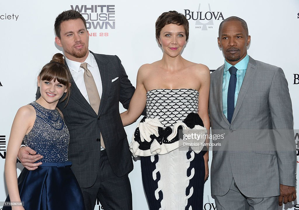 Actors <a gi-track='captionPersonalityLinkClicked' href=/galleries/search?phrase=Joey+King+-+Actress&family=editorial&specificpeople=2264584 ng-click='$event.stopPropagation()'>Joey King</a>, <a gi-track='captionPersonalityLinkClicked' href=/galleries/search?phrase=Channing+Tatum&family=editorial&specificpeople=549548 ng-click='$event.stopPropagation()'>Channing Tatum</a>, <a gi-track='captionPersonalityLinkClicked' href=/galleries/search?phrase=Maggie+Gyllenhaal&family=editorial&specificpeople=202607 ng-click='$event.stopPropagation()'>Maggie Gyllenhaal</a> and <a gi-track='captionPersonalityLinkClicked' href=/galleries/search?phrase=Jamie+Foxx&family=editorial&specificpeople=201715 ng-click='$event.stopPropagation()'>Jamie Foxx</a> attend the 'White House Down' New York premiere at Ziegfeld Theater on June 25, 2013 in New York City.