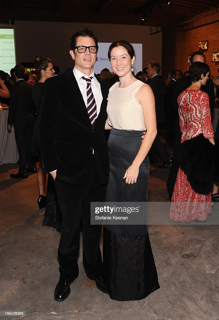Actors <a gi-track='captionPersonalityLinkClicked' href=/galleries/search?phrase=Johnny+Knoxville&family=editorial&specificpeople=206210 ng-click='$event.stopPropagation()'>Johnny Knoxville</a> (L) and wife Naomi Nelson attend the First Annual Baby2Baby Gala event presented by Harry Winston honoring Jessica Alba at Book Bindery on November 3, 2012 in Culver City, California.