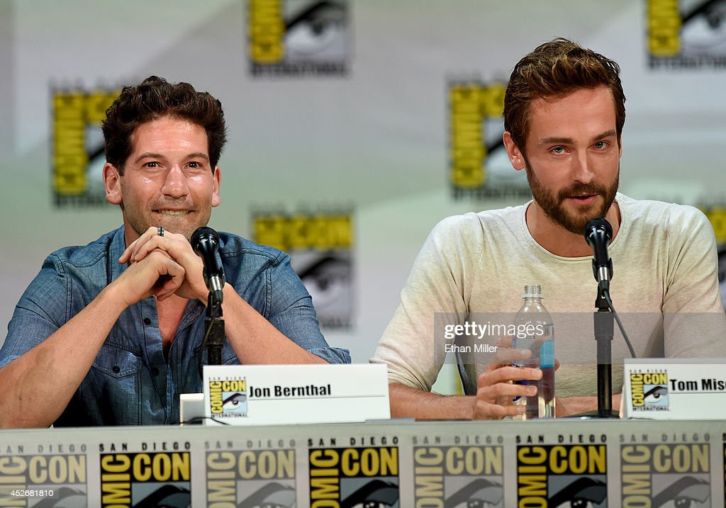 Actors <a gi-track='captionPersonalityLinkClicked' href=/galleries/search?phrase=Jon+Bernthal&family=editorial&specificpeople=633077 ng-click='$event.stopPropagation()'>Jon Bernthal</a> (L) and <a gi-track='captionPersonalityLinkClicked' href=/galleries/search?phrase=Tom+Mison&family=editorial&specificpeople=5449904 ng-click='$event.stopPropagation()'>Tom Mison</a> attend the Entertainment Weekly: Brave New Warriors panel during Comic-Con International 2014 at the San Diego Convention Center on July 25, 2014 in San Diego, California.