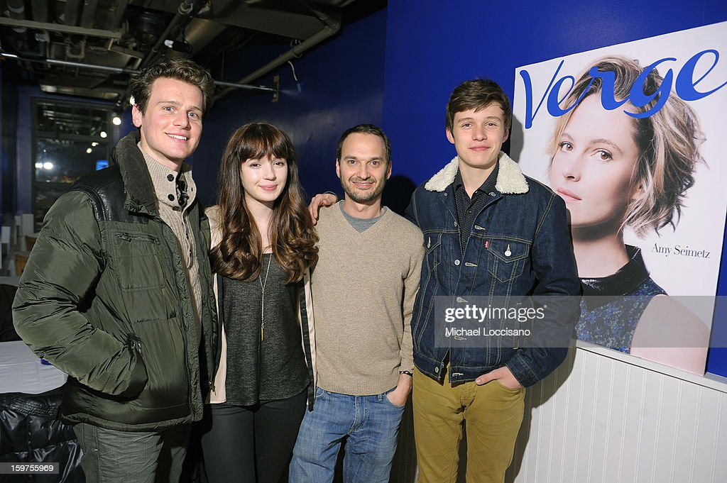 Actors Jonathan Groff Gina Piersanti Verge founder and creative director Jeff Vespa and actor Nick Robinson attends The Verge List Party at the...