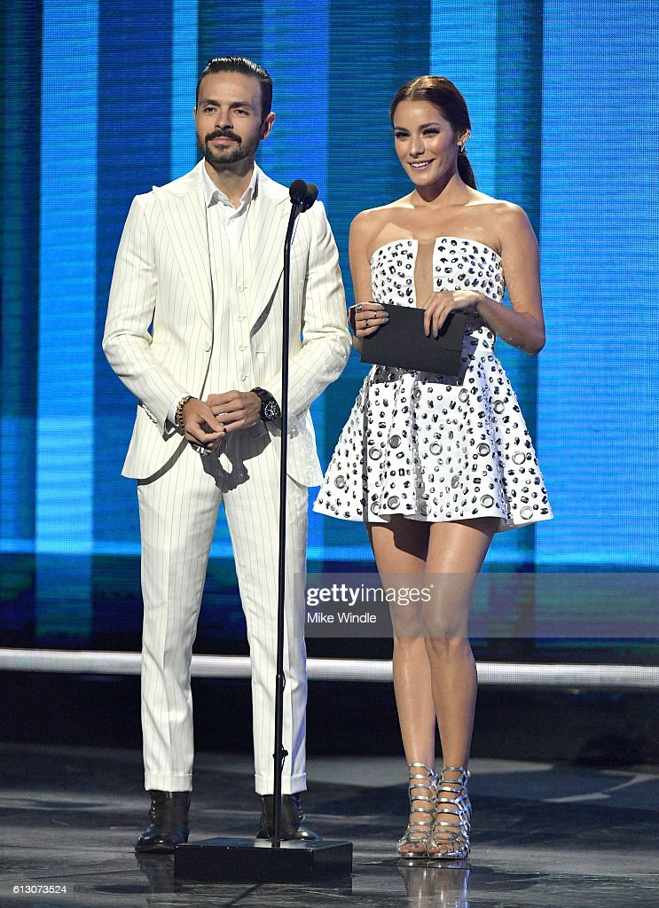 http://media.gettyimages.com/photos/actors-jose-maria-torre-and-oka-giner-speak-onstage-during-the-2016-picture-id613073524