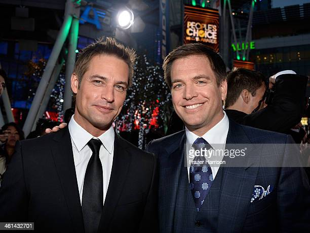 Actors Josh Holloway and Michael Weatherly attend The 40th Annual People's Choice Awards at Nokia Theatre LA Live on January 8 2014 in Los Angeles...